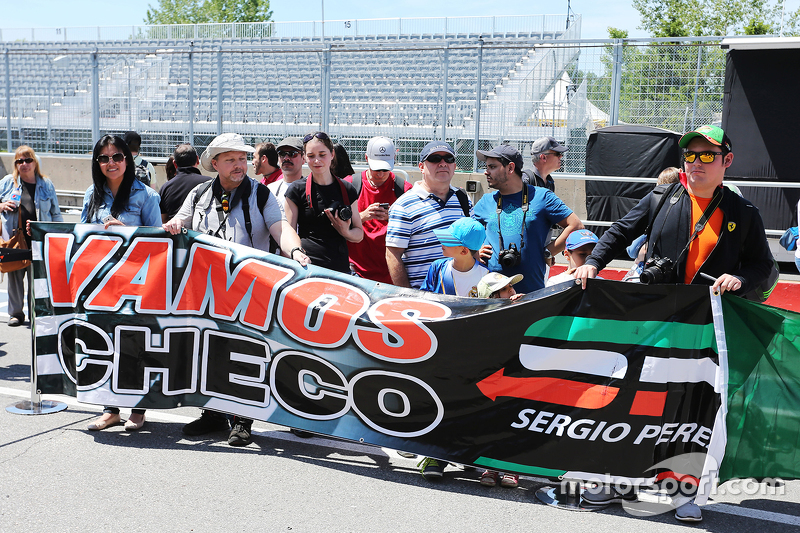 Fans of Sergio Perez, Sahara Force India F1 with a banner
