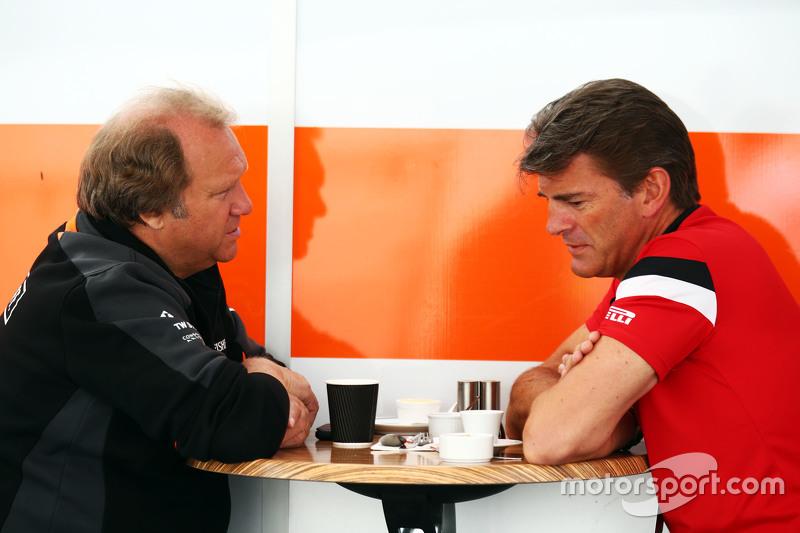 Robert Fernley, Sahara Force India F1 Team, stellvertretender Teamchef, mit Graeme Lowdon, Manor F1