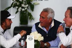 Fernando Alonso, McLaren con Lawrence Stroll, Ejecutivo y Mansour Ojjeh, McLaren accionista