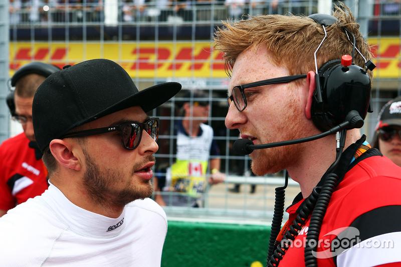 Will Stevens, Manor Marussia F1 Team, in der Startaufstellung