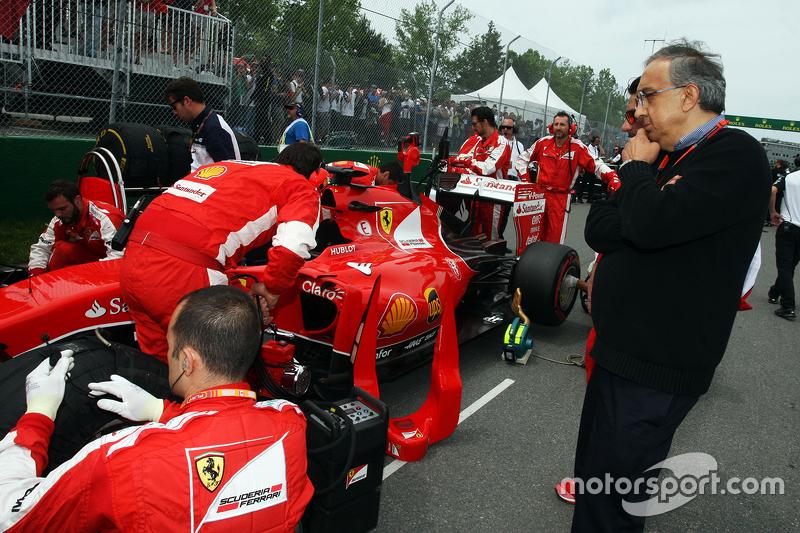 Sergio Marchionne, Ferrari President, dan CEO Fiat Chrysler Automobiles di grid