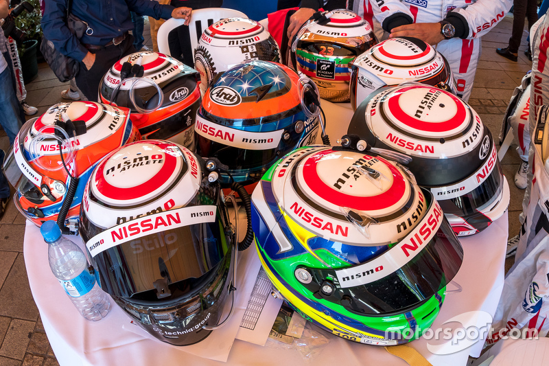#21 Nissan Motorsports, Nissan GT-R LM NISMO: Tsugio Matsuda, Lucas Ordonez, Mark Shulzhitskiy und #