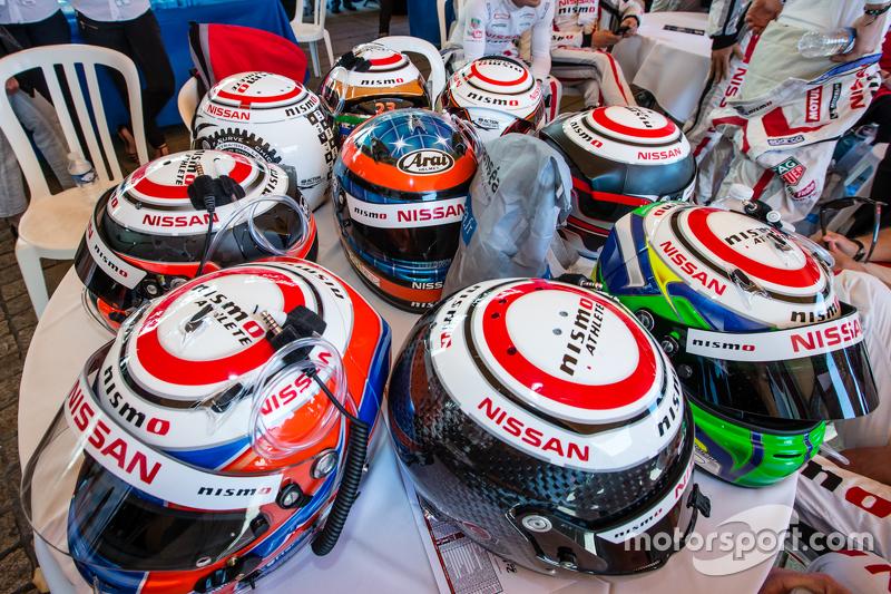 Nissan Motorsports: Fahrerhelme