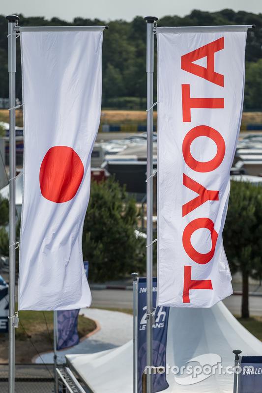 Bandeiras da Toyota Racing