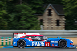 #21 Nissan Motorsports Nissan GT-R LM NISMO: Цугио Мацуда, Лукас Ордонес, Марк Шульжицкий