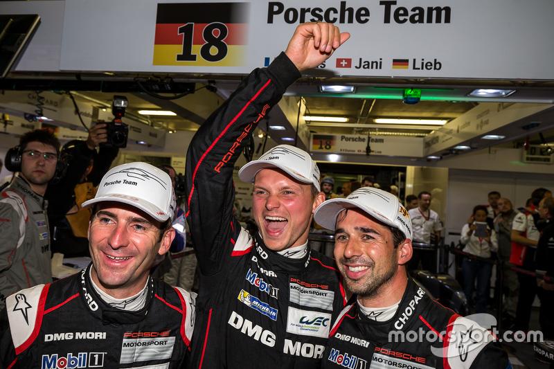 2015 24 Hours of Le Mans Pole Winner #18 Porsche Team Porsche 919 Hybrid: Romain Dumas, Neel Jani, Marc Lieb