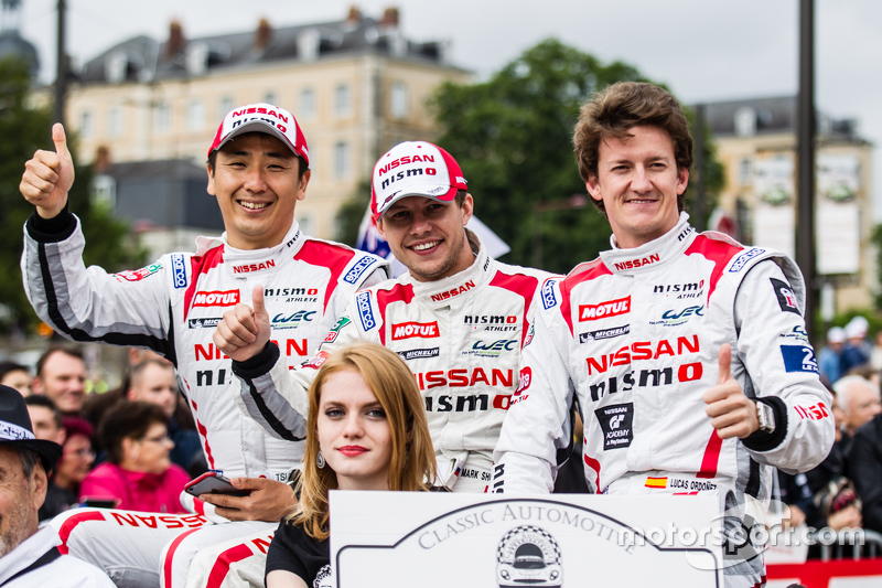 Nissan GT-R LM NISMO команды Nissan Motorsports: Цугио Мацуда, Марк Шульжицкий и Лукас Ордонес