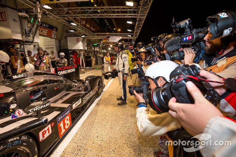 Pole-Position: 1. #18 Porsche Team, Porsche 919 Hybrid: Romain Dumas, Neel Jani, Marc Lieb