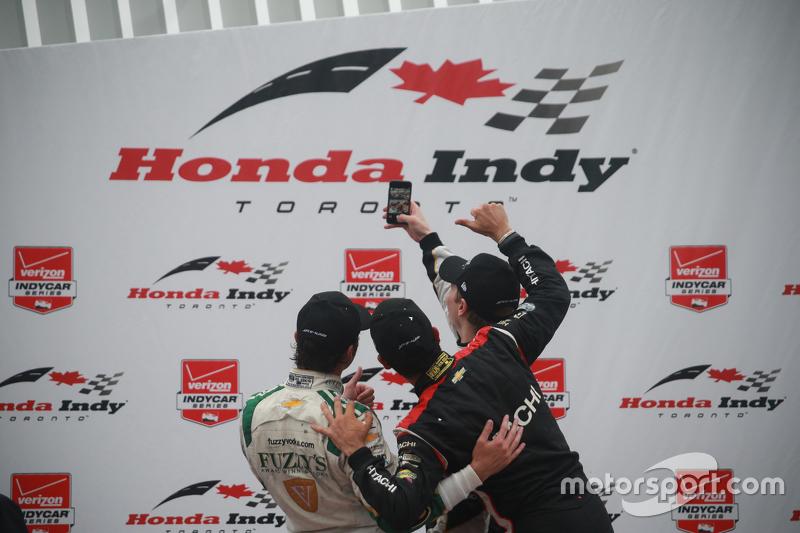 Podium: 1. Josef Newgarden, CFH Racing, Chevrolet; 2. Luca Filippi, CFH Racing, Chevrolet, und 3. He
