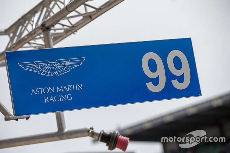 Pit sign #99 Aston Martin Racing V8 Aston Martin Vantage GTE