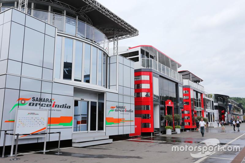 Das Motorhome von Sahara Force India F1 im Fahrerlager
