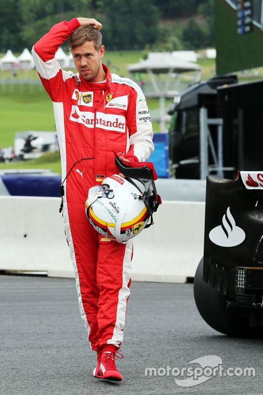 Sebastian Vettel, Ferrari stops di circuit di first practice session