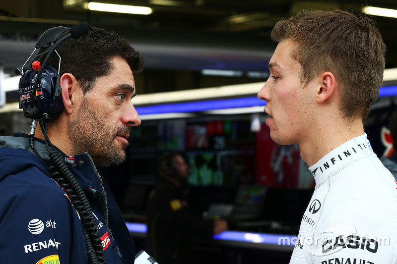 Guillaume Rocquelin, Red Bull Racing Head of Race Engineering with Daniil Kvyat, Red Bull Racing