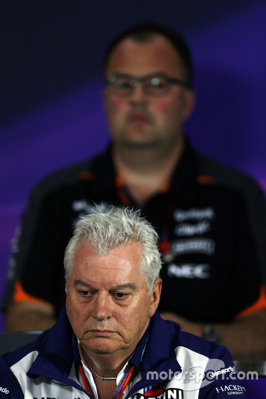 Пет Сімондс, Williams Технічний директор на пресс-конференції FIA