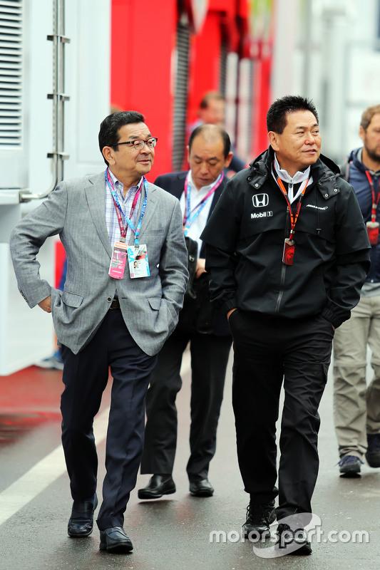 Takahiro Hachigo, CEO da Honda com o chefe Yasuhisa Arai, Honda Motorsport
