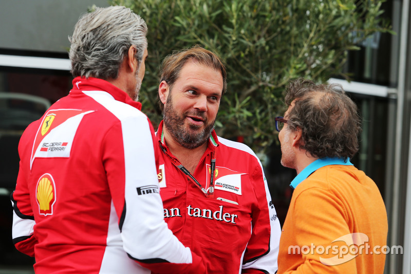 Maurizio Arrivabene, Ferrari Takım Patronu ile Gino Rosato, Ferrari ve Jacques Villeneuve,