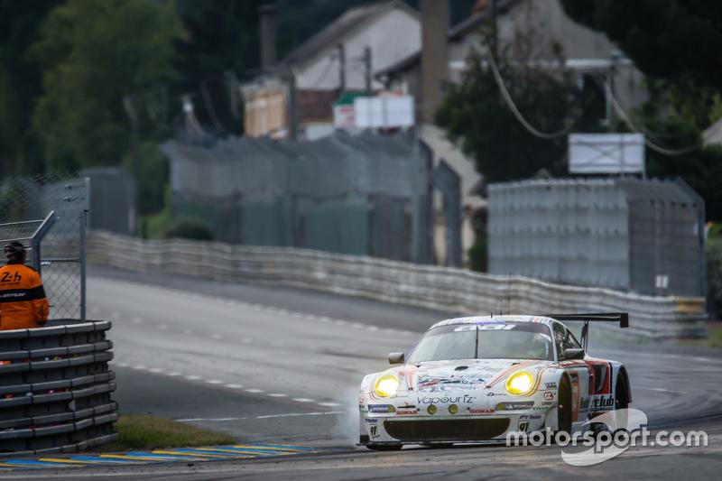 #67 Team AAI Porsche 911 GT3-RSR: Алекс Кападіа, Xavier Maassen, Jun-San Chen