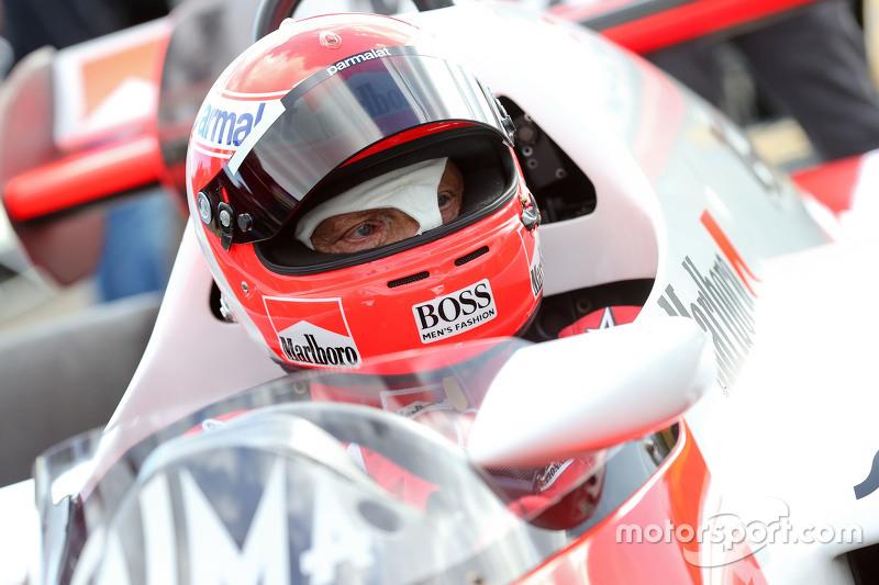 Niki Lauda, Mercedes Non-Executive Chairman di McLaren MP4/2 di Legends Parade