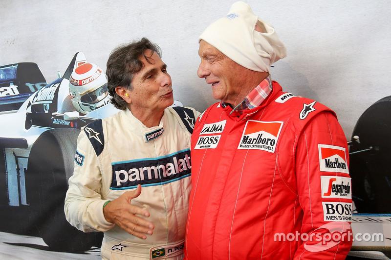 Нельсон Піке та Нікі Лауда, невиконавчий голова Mercedes, на Параді Легенд