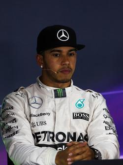 Льюис Хэмилтон, Mercedes AMG F1 на пресс-конференции FIA