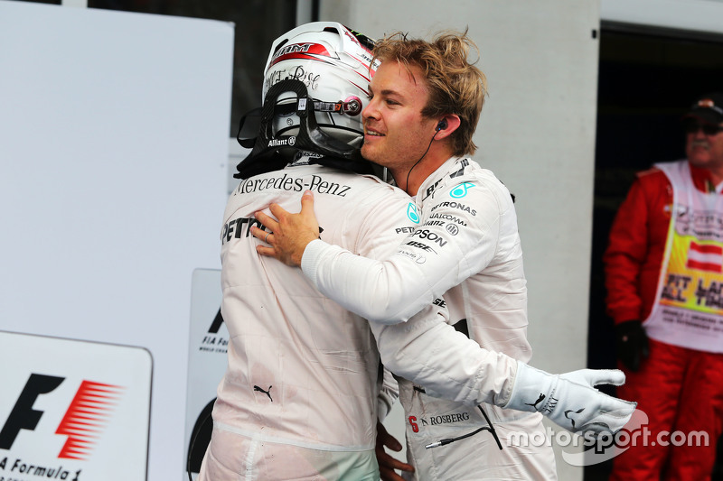 Race winner Nico Rosberg, Mercedes AMG F1 celebrates with team mate Lewis Hamilton, Mercedes AMG F1