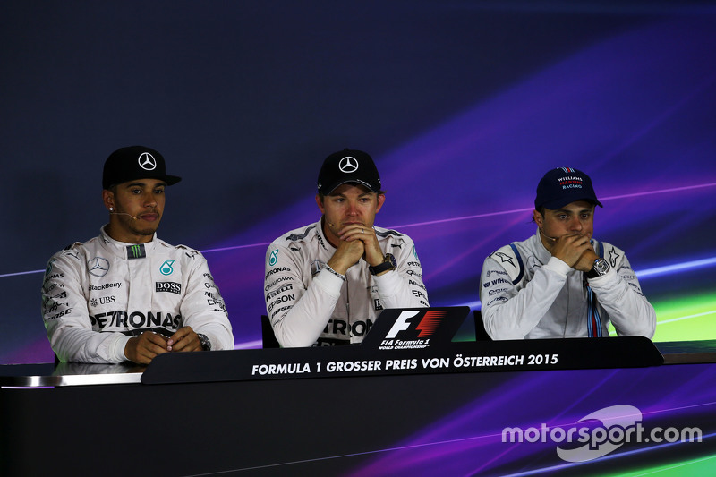 Die FIA-Pressekonferenz nach dem Rennen: 2. Lewis Hamilton, Mercedes AMG F1; 1. Nico Rosberg, Merced