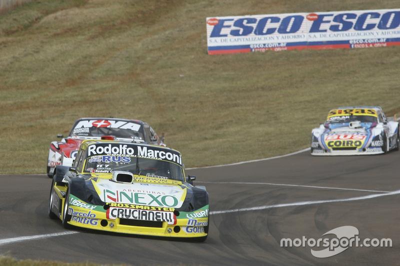 Омар Мартінез, Martinez Competicion Ford та Матіас Россі, Donto Racing Chevrolet та Маурісіо Ламбірі