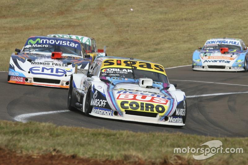Mauricio Lambiris, Coiro Dole Racing, Torino; Christian Ledesma, Jet Racing, Chevrolet; Nicolas Bone