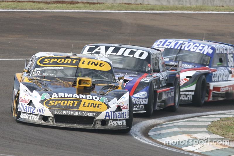 Leonel Pernia, Las Toscas Racing, Chevrolet; Emanuel Moriatis, Alifraco Sport, Ford, und Mathias Nol