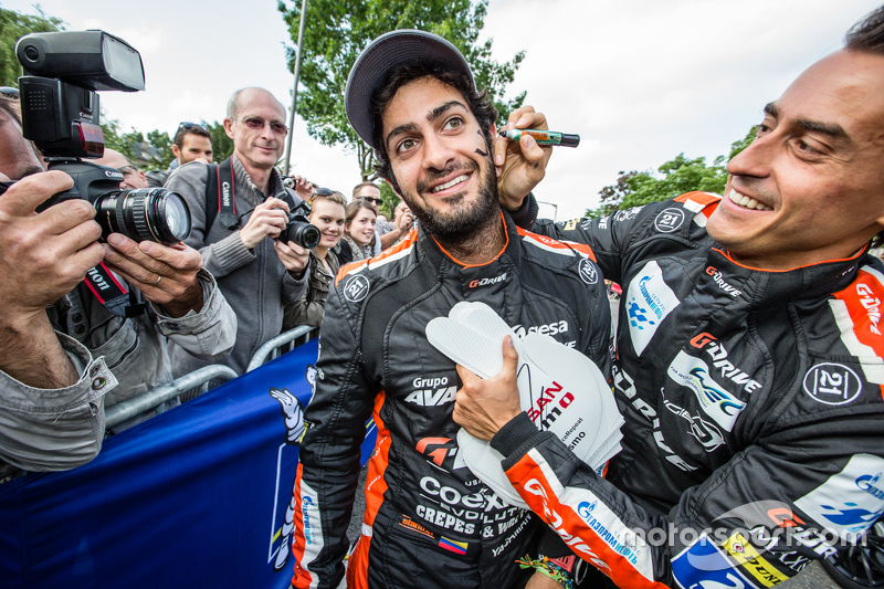 G-Drive Racing: Roman Rusinov plays a joke on Gustavo Yacaman