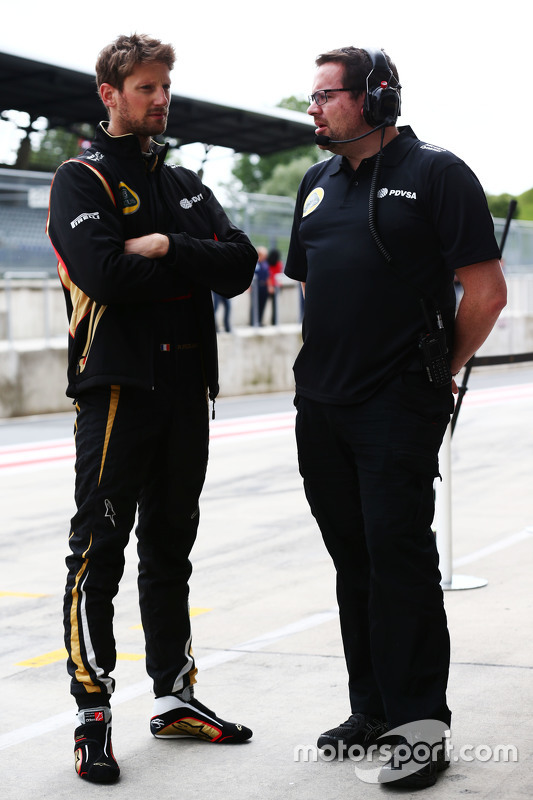 (L to R): Romain Grosjean, Lotus F1 Team with Julien Simon-Chautemps, Lotus F1 Team Race Engineer