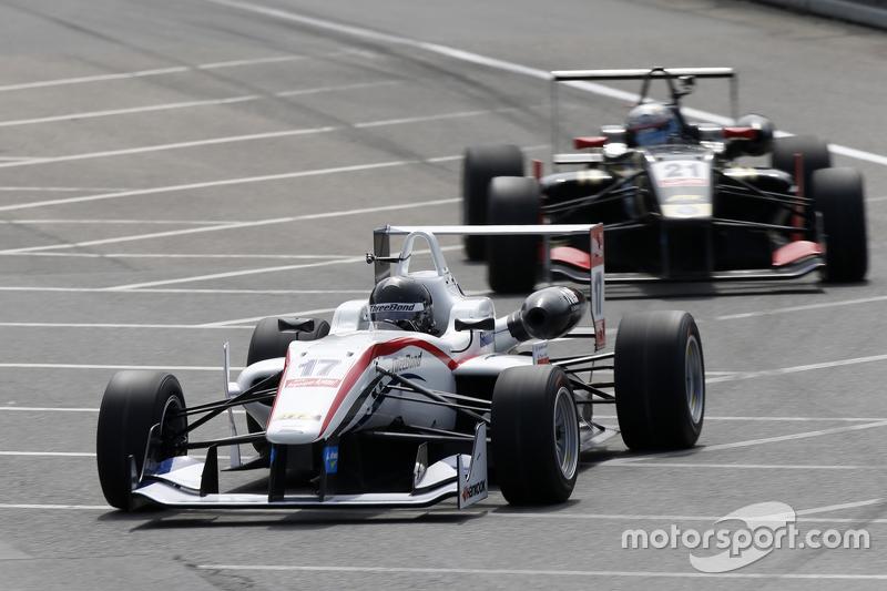 17. Julio Moreno, ThreeBond mit T-Sport, Dallara NBE, 21. Alexander Albon, Signature, Dallara Volkswagen