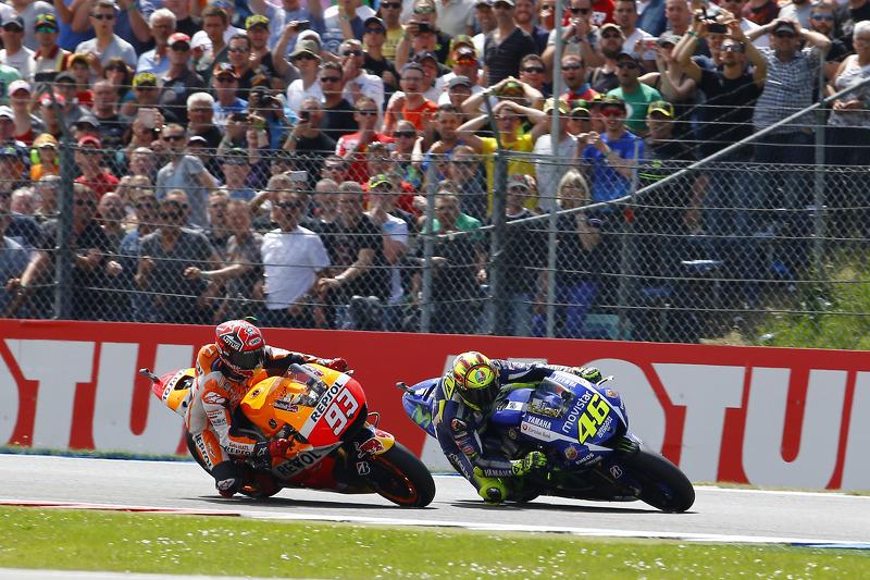 Valentino Rossi, Yamaha Factory Racing ,und Marc Marquez, Repsol Honda Team