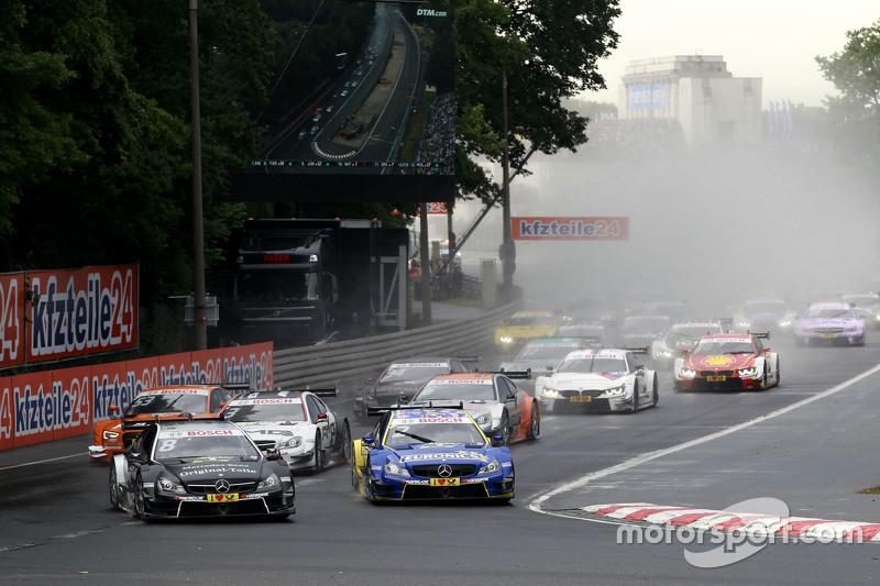 Rennstart: Christian Vietoris, HWA AG, Mercedes-AMG C63 DTM, in Führung