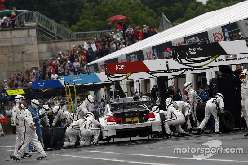 Boxenstopp für Marco Wittmann, BMW Team RMG, BMW M4 DTM