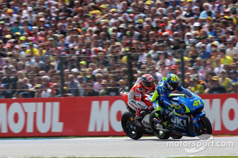 Aleix Espargaro, Team Suzuki MotoGP, und Andrea Dovizioso, Ducati Team