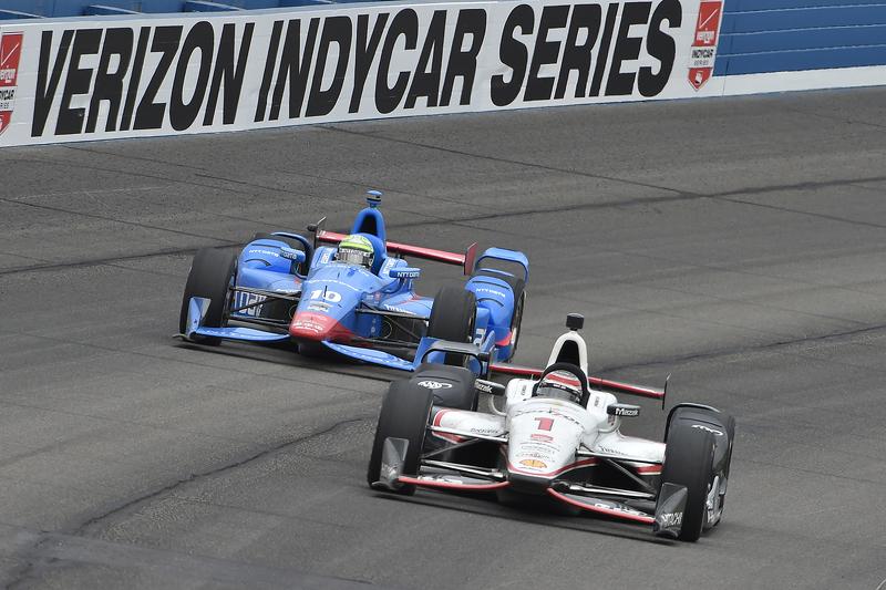 Will Power, Team Penske, Chevrolet, und Tony Kanaan, Chip Ganassi Racing, Chevrolet