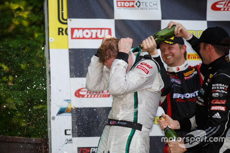 Race winner #16 Bentley Team Dyson Racing Bentley Continental GT3: Chris Dyson