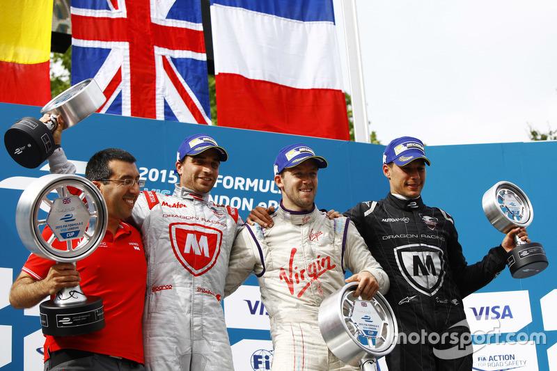 Podium: 2. Jérôme d'Ambrosio, Dragon Racing; 1. Sam Bird, Virgin Racing, und 3. Loic Duval, Dragon Racing