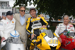 John Surtees, Lord March, Valentino Rossi et Giacomo Agostini