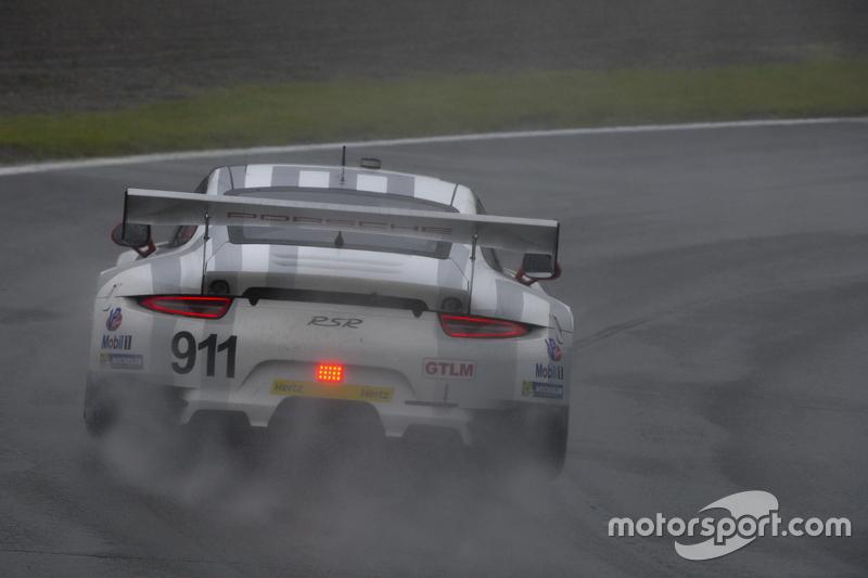 #911 Porsche North America, Porsche 911 RSR: Patrick Pilet, Frederic Makowiecki
