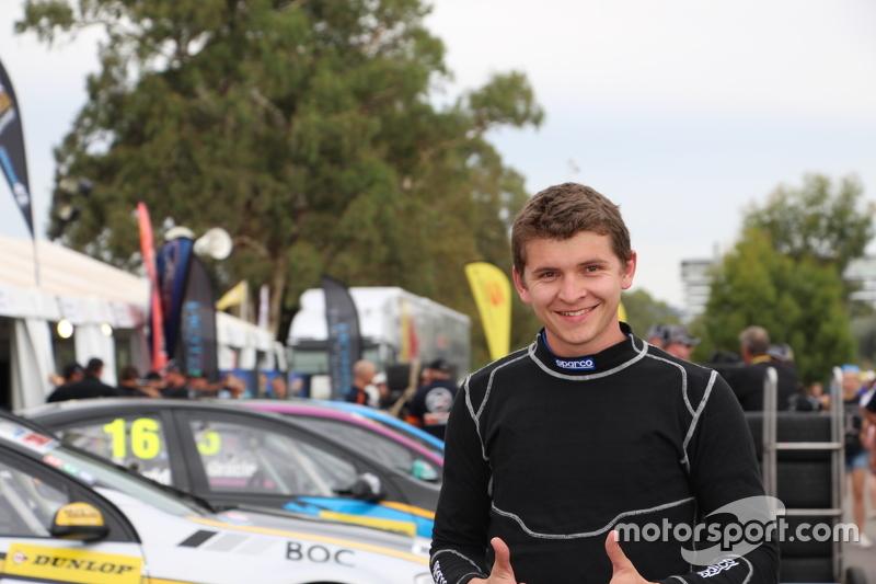 Dunlop-Series-Fahrer Todd Hazelwood beim Clipsal 500