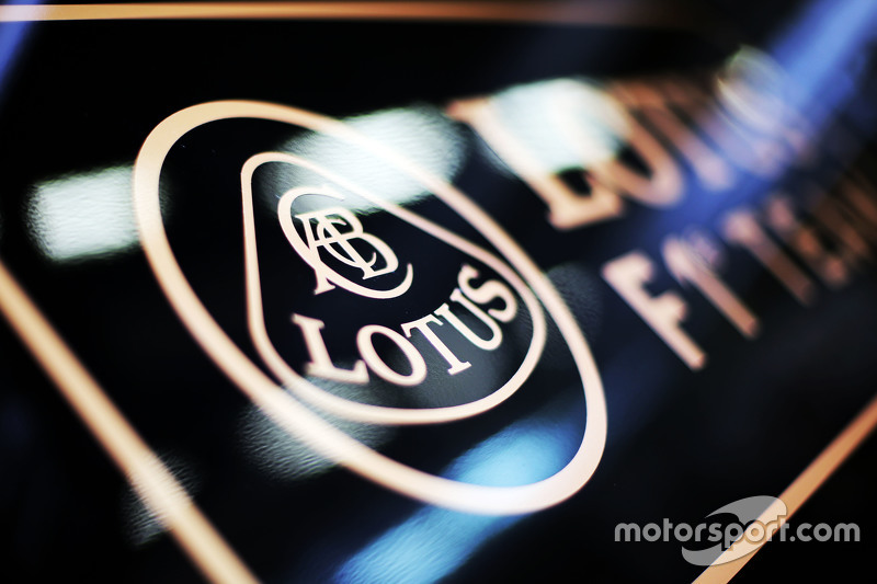 Lotus F1 Team, Logo