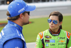 Ricky Stenhouse jr., Roush Fenway Racing, Ford, und Danica Patrick, Stewart-Haas Racing, Chevrolet