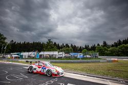 #12 Team Manthey, Porsche 997 GT3 R: Otto Klohs, Frédéric Makowiecki, Harald Schlotter, Jens Richter