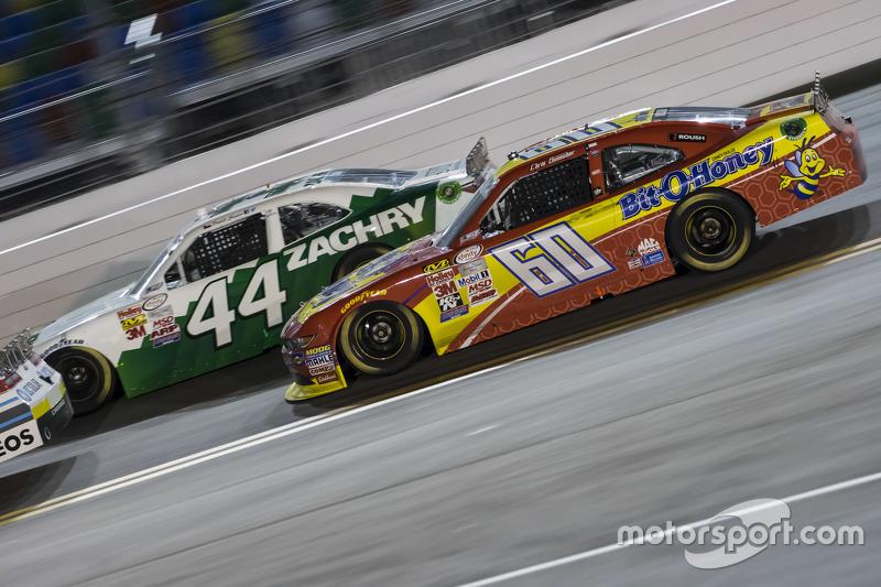 David Starr, TriStar Motorsports Toyota dan Chris Buescher, Roush Fenway Racing Ford