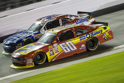 Chris Buescher, Roush Fenway Racing, Ford, und Regan Smith, JR Motorsports, Chevrolet