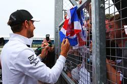 Jenson Button, McLaren com os fãs