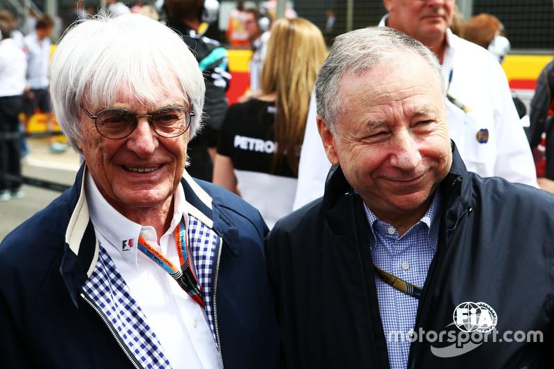 Bernie Ecclestone, dengan Jean Todt, Presiden FIA di grid