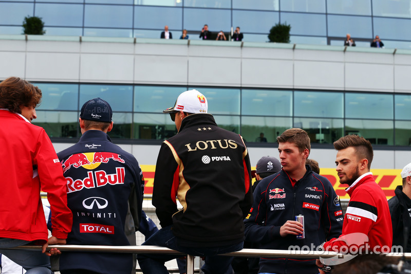Pastor Maldonado, Lotus F1 Team with Max Verstappen, Scuderia Toro Rosso and Will Stevens, Manor F1 Team on the drivers parade
